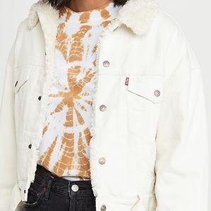 NWT Levi's Cozy Cocoon trucker jacket